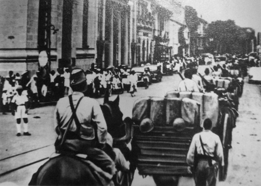 Japanese_troops_entering_Saigon_in_1941