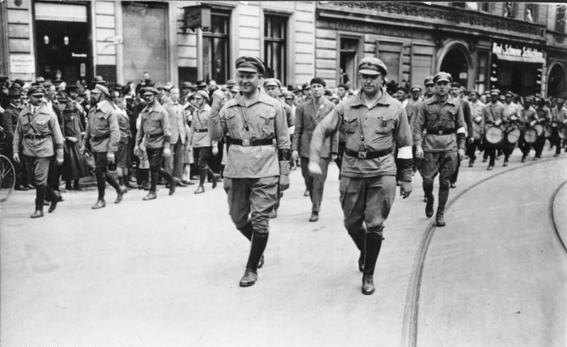 Berlin 1927, Reichstreffen RFB, Thälmann, Leow