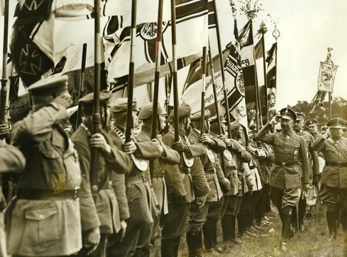 Wilhelm von Preußen beim Stahlhelmtreffen, 1933