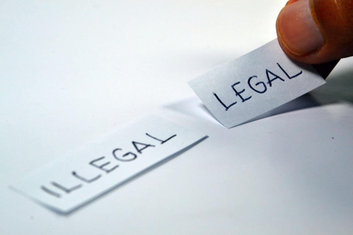 Considerações sobre a perda da estabilidade do servidor público pelas  regras da Constituição e do PLP (Projeto de Lei Complementar)248/98.